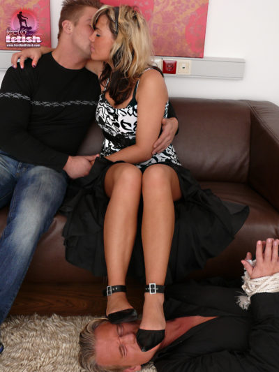 Cuckold feet licking by Janina