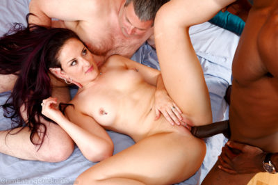 Caroline Pierce Shares a Facial With Her Cuckold Husband