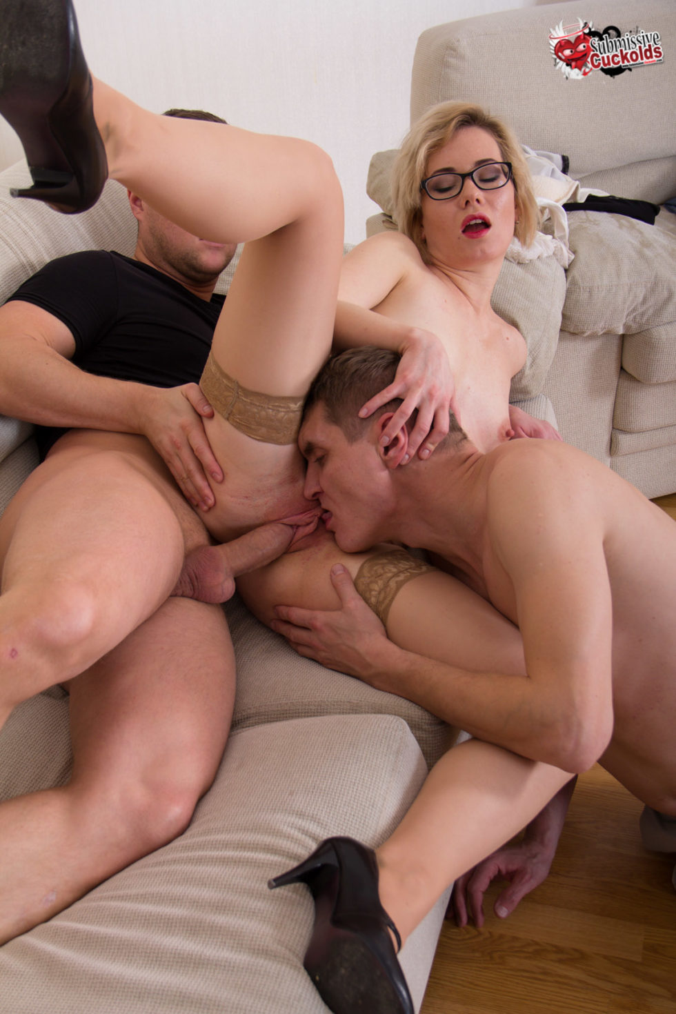 He caught his wife cuckold and was humiliated